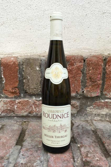 lobkowicz roudnice nad labem muller thurgau 2019 suche vino