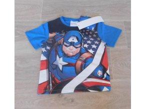 tvarovaný avengers