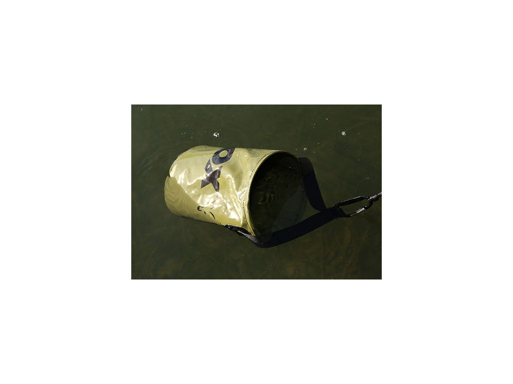 Collapsible Water Bucket (Varianta Collapsible Water Bucket - inc. Drop Cord & Clip)