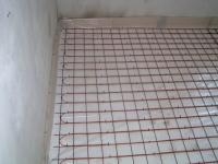 pravidelné smyčky topného kabelu