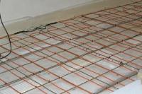 topný kabel na kari síti do betonu - detail přípravy pro podlahové čidlo
