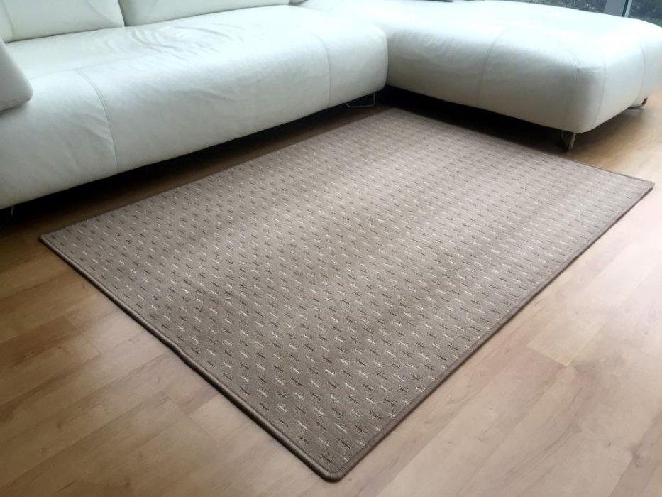 Kusový koberec Valencia béžová Rozměr: 80x150 cm