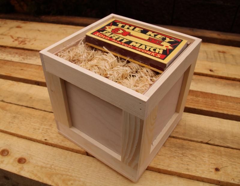 darkovy-dreveny-box-k-narozeninam-svatku-vanocum-podpalovace-zapalky
