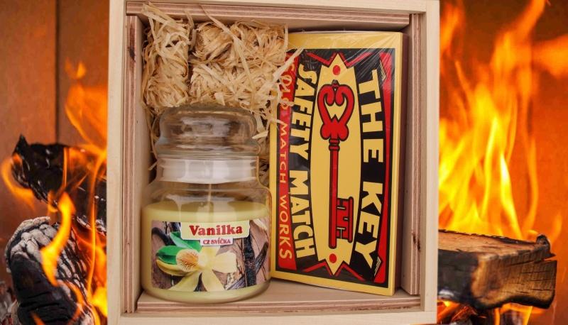 dreveny-fire-box--podpalovace-svicka-ve-skle-vanilka-sirky-zapalky