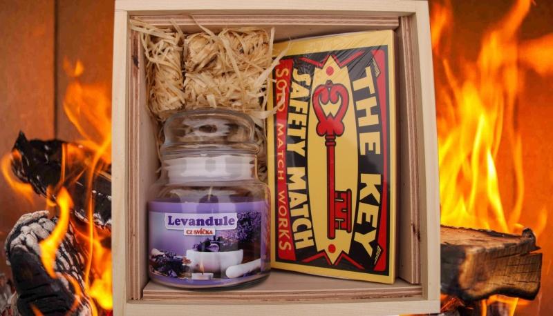 fire-box-dreveny-podpalovace-svicka-ve-skle-levandule-zapalky-sirky