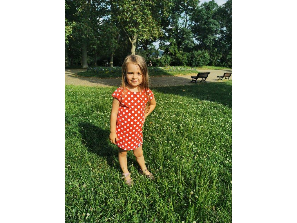 Dětské šaty Ivet - puntíky na červené