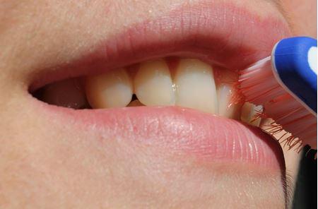 Čištění zubů a ochrana dásní