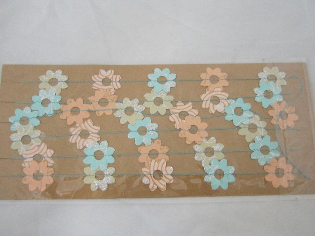 0010235 konfeti papirove jemne barvy
