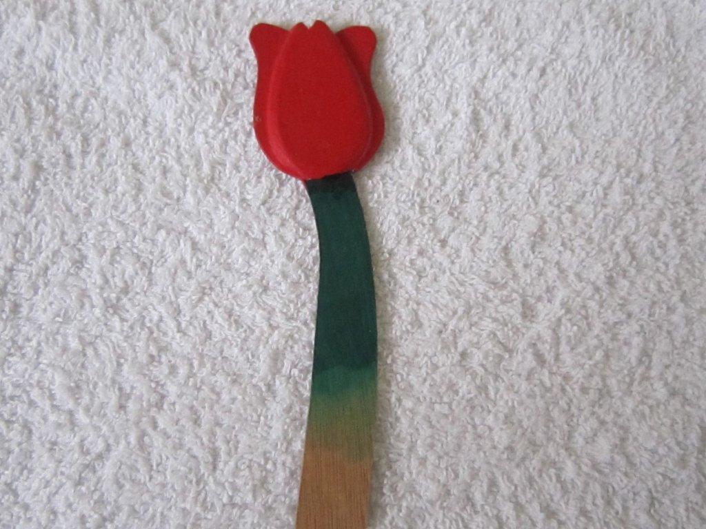 0008961 magnet tulipan se stonkem cerveny