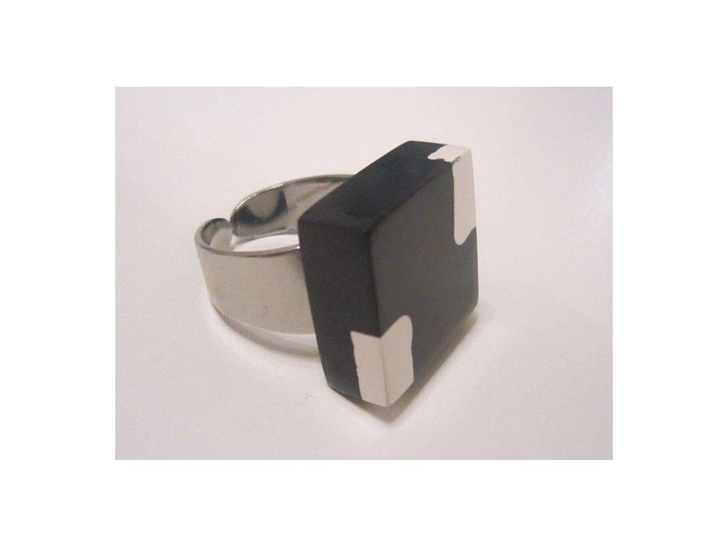0003031 prsten kostky black white