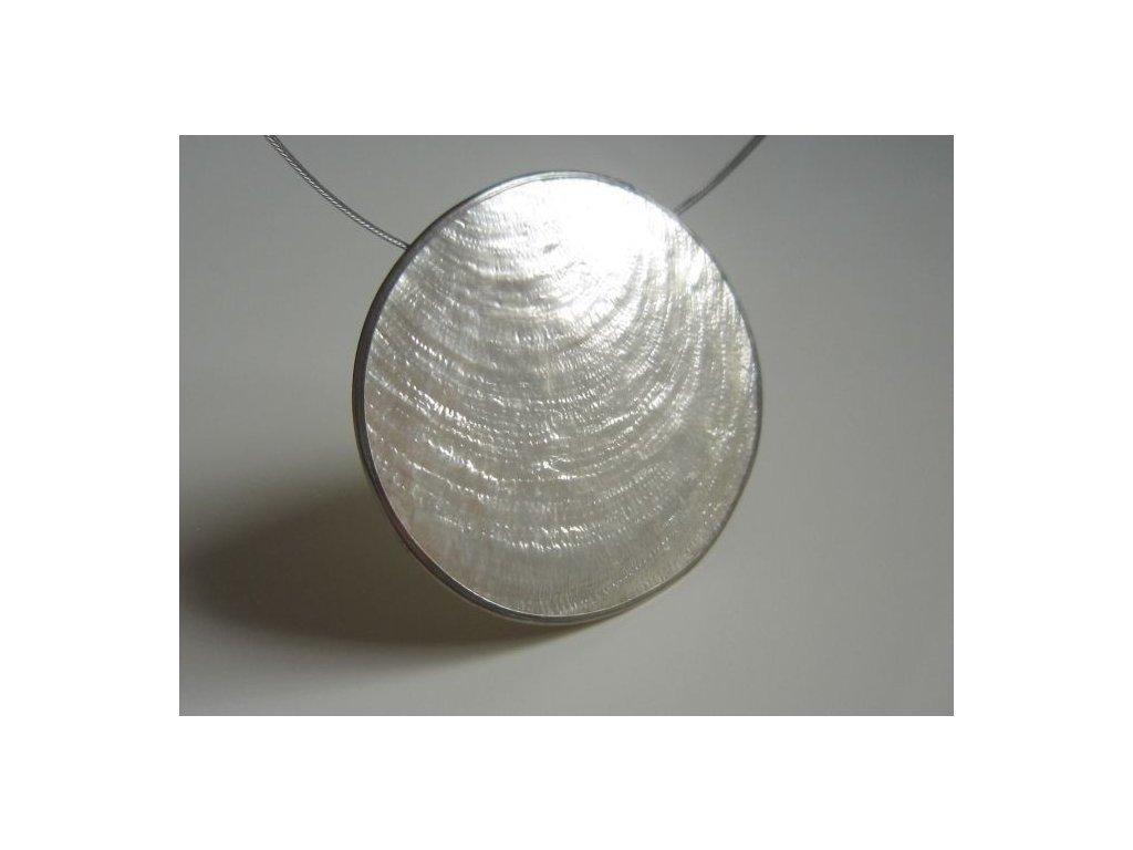 0003043 prirodni sperk big pendant bily