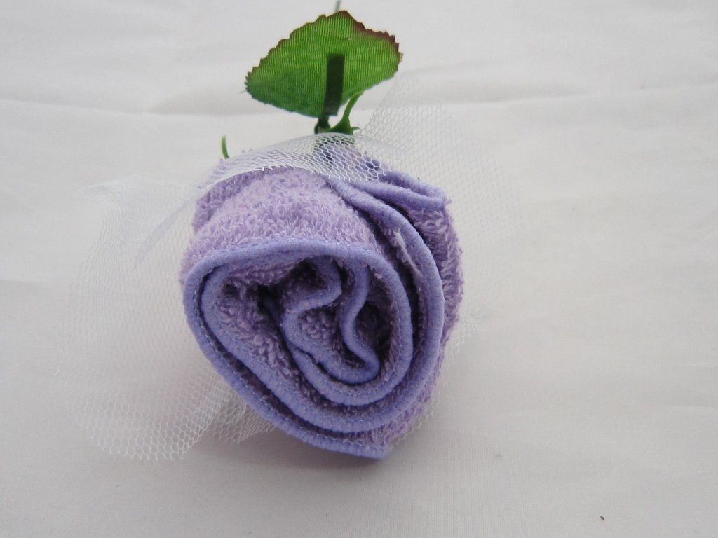 0004328 ruze z rucnicku fialova