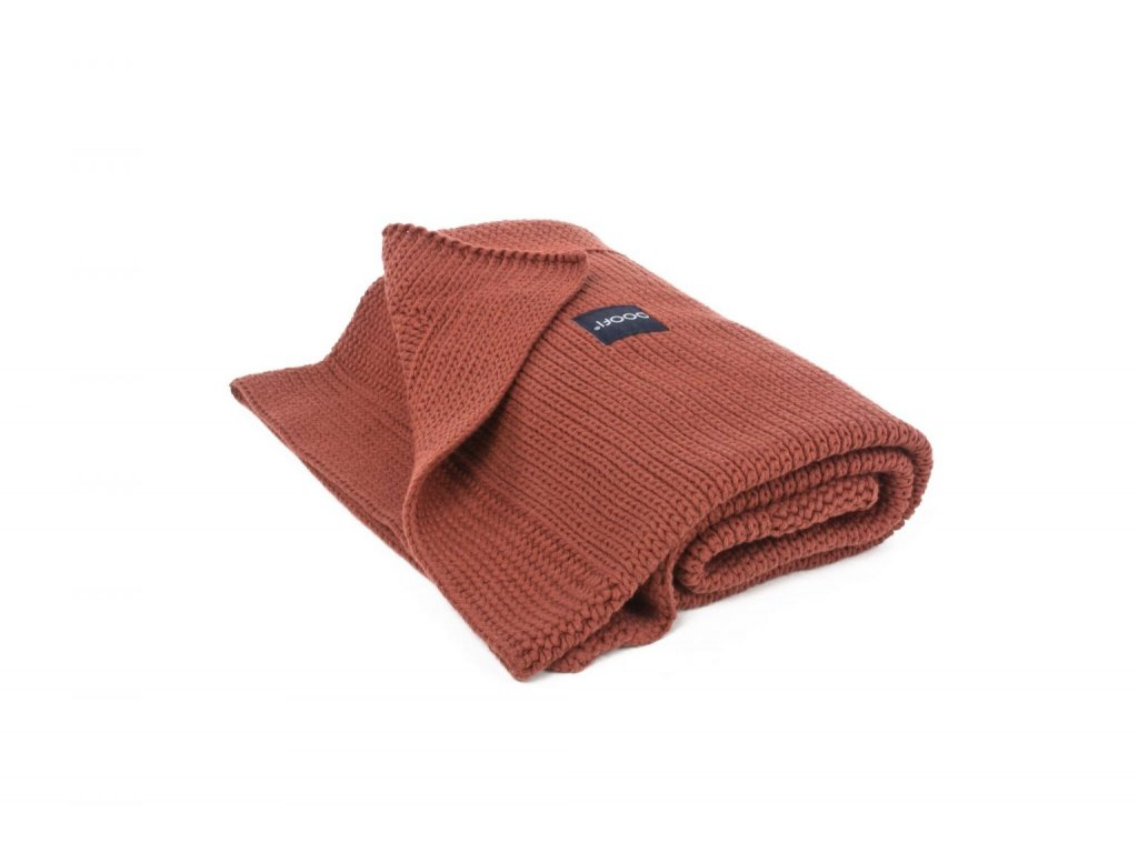 PF030 Organicka pletena prikryvka cihla organicke barvy