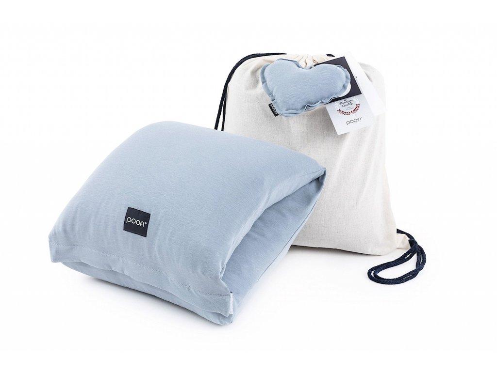 Kojici polstar na ruku z organicke bavlny v barve dusty blue a taska z bavlny
