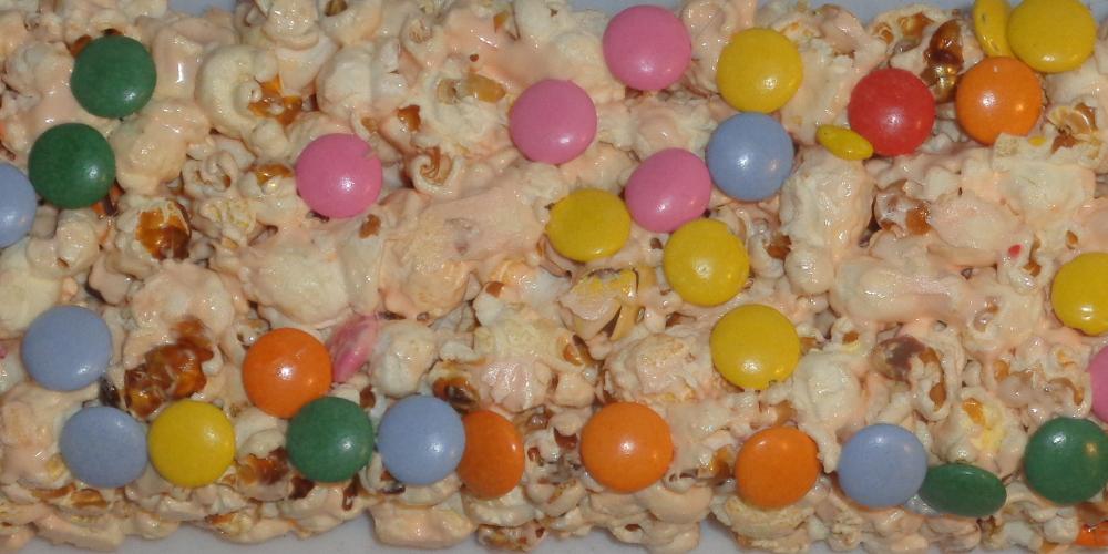 Recept: Popcorn s marshmallow a lentilkami
