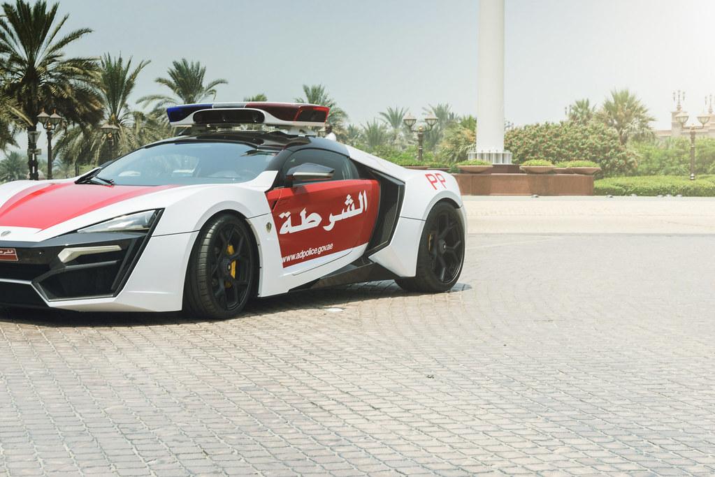 Domácí vězení pro automobily v Abu Dhabi