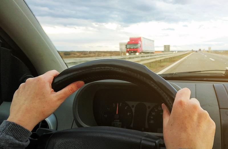Jak na elektronickou knihu jízd? Přenechejte její tvorbu GPS lokátoru