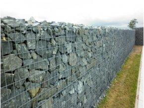 Gabionový plot plný
