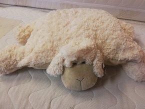 ovečka polštářek na knoflík