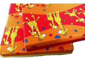 matrace do postýlky vzor žirafa červená