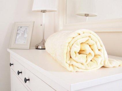 Měkoučká mikroflanelová deka vanilková 150x200cm