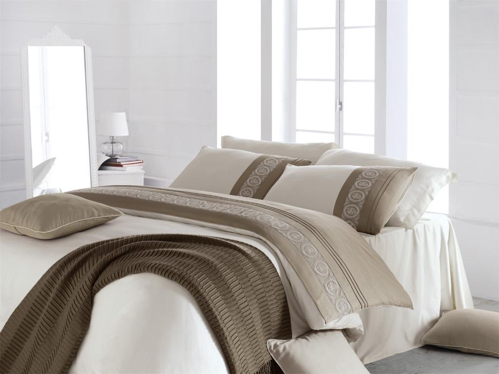 Linetta - Sada luxusního saténového povlečení 220x200 cm zdobeného krajkou