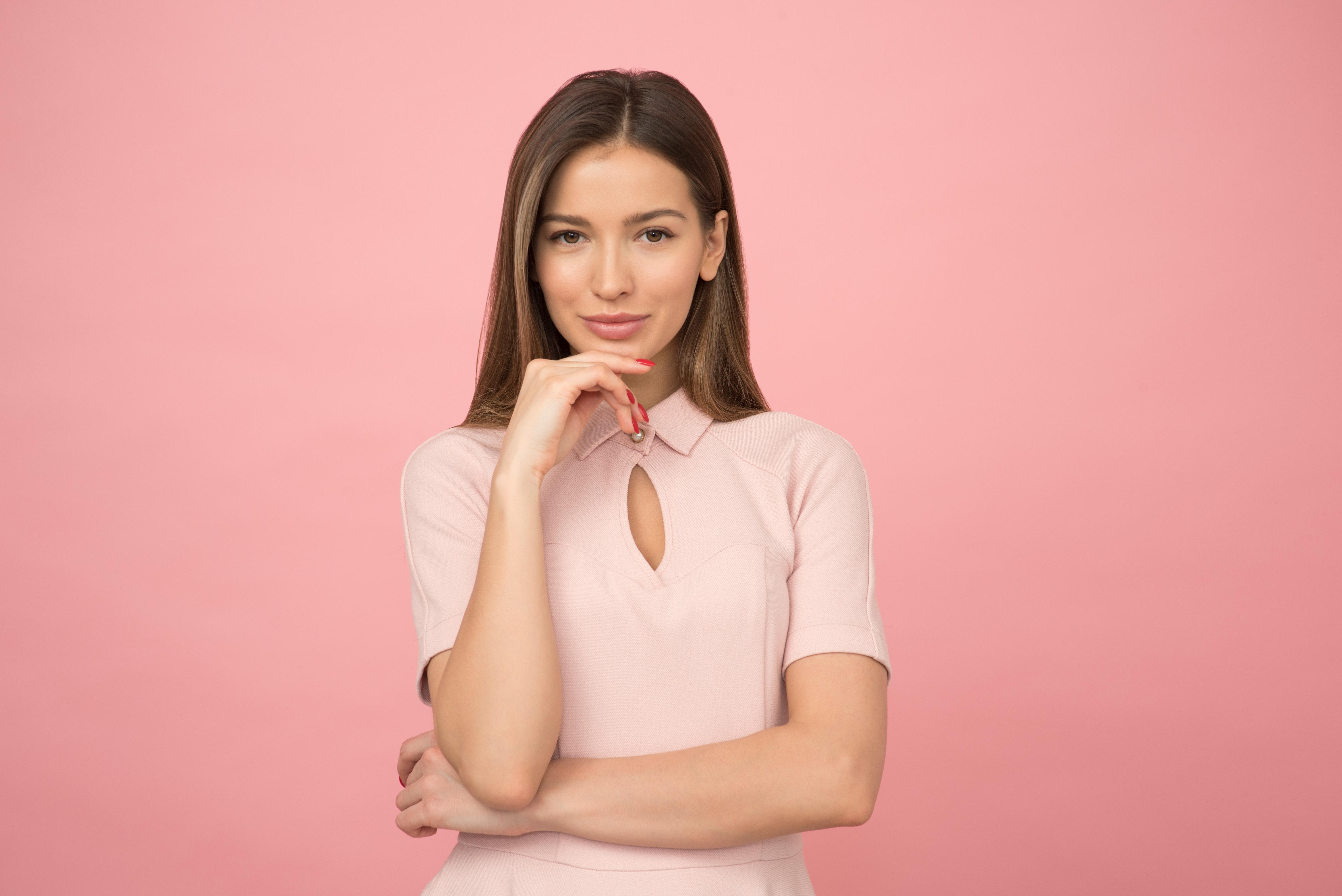 Jak nosit průsvitné oblečení?