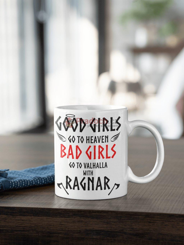 Hrnek s potiskem Vikingové - Good girls bad girls Ragnar