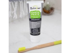 EARTHPASTE - Přírodní Zubní Pasta s BENTONITOVÝM JÍLEM, AKTIVNÍM UHLÍM a MÁTOU KADEŘAVOU (s Xylitolem)