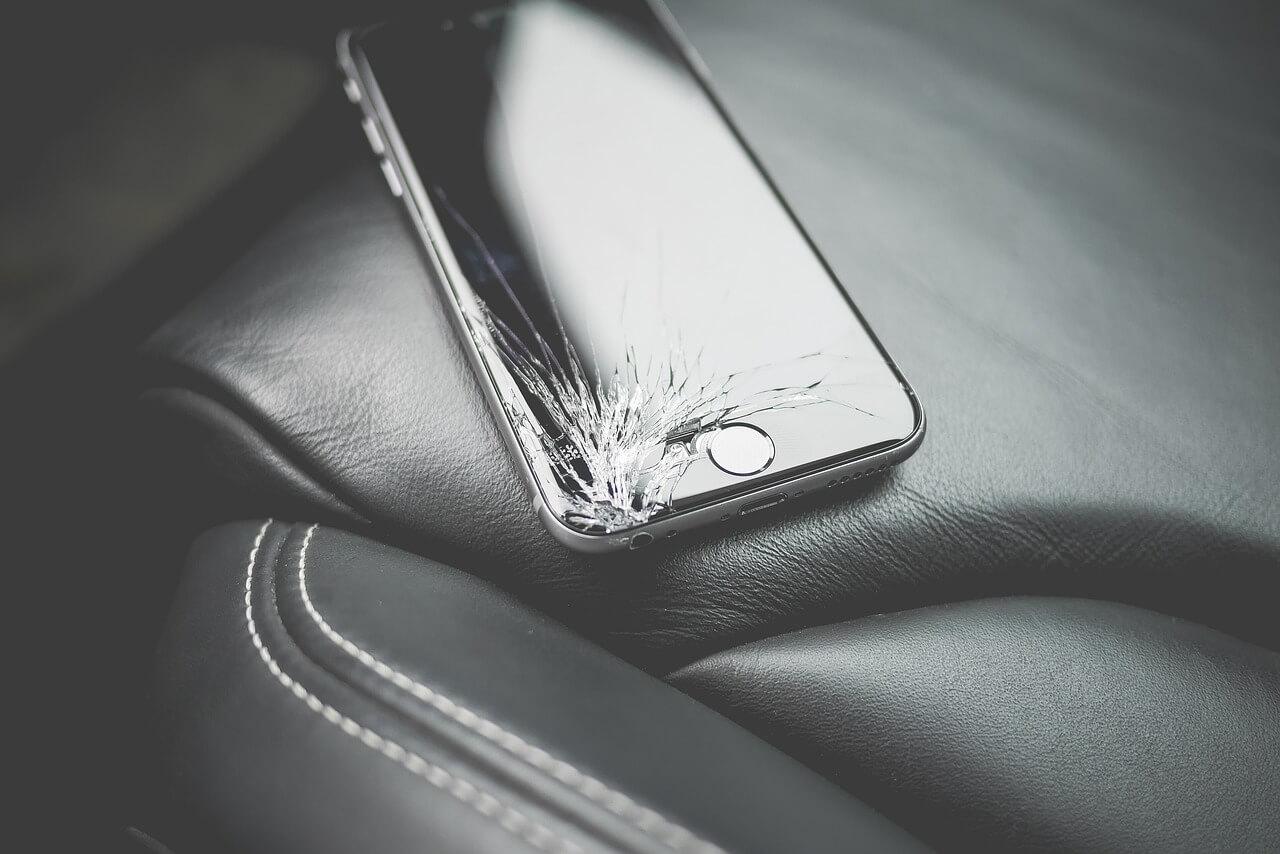 prasknuty-displej-smartfonu
