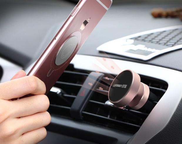 drziak na mobil do auta