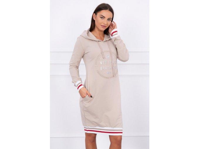Šaty s kapucňou