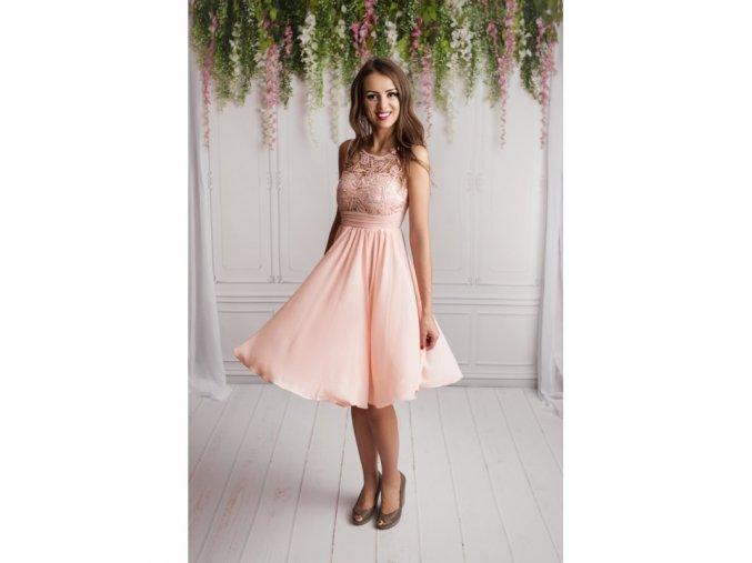 Růžové spol. šaty