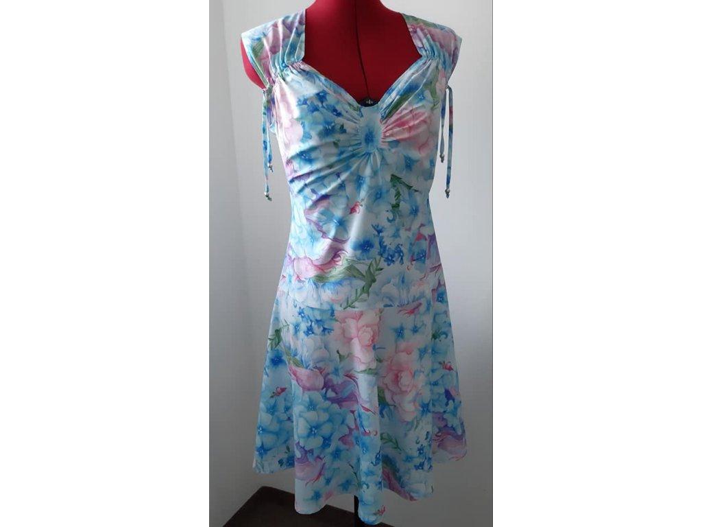Silky, šatovky, pavučinka, hortenzie modro-růžové květy