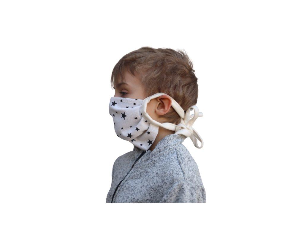 bavlnena detska rouska na zavazovani s hvezdami od 3 let (1)