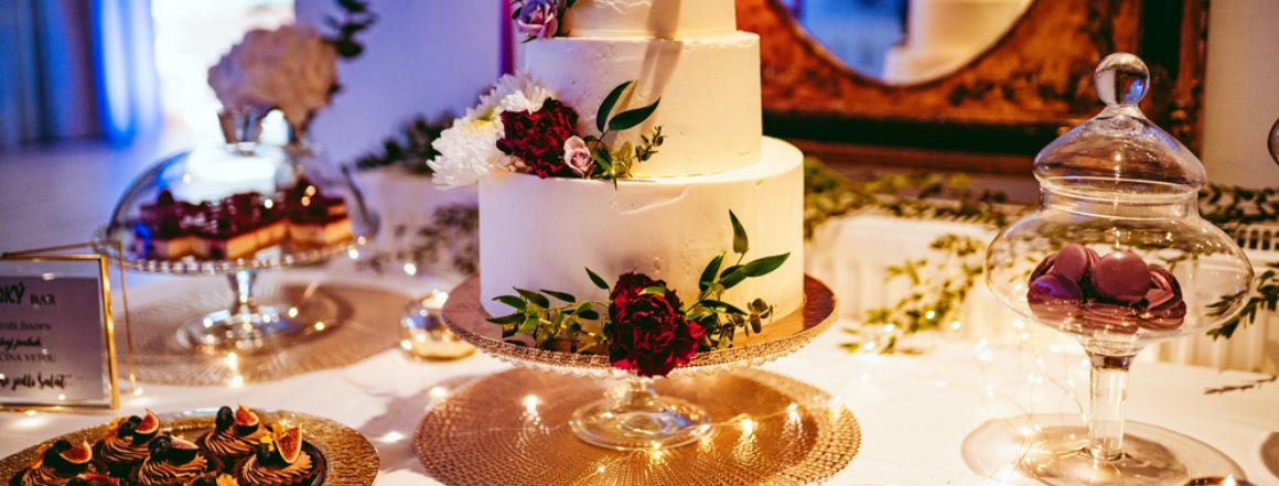 Moderný Candy bar na svadbu od Princess Cakes