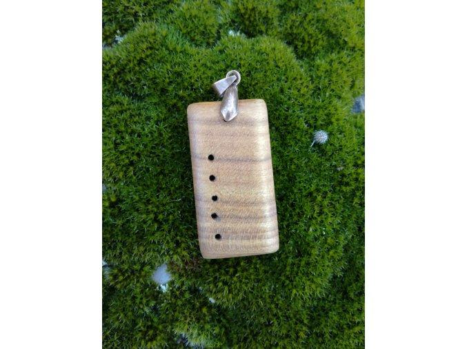 Dřevěný přívěsek ze dřeva třešně  DŘEVĚNÉ ŠPERKY | PŘÍRODĚ NA DOSAH