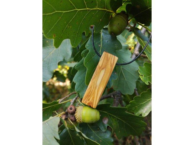 Dřevěný přívěsek oliva 2