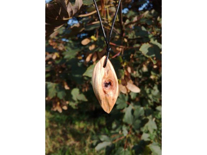 Dřevěný přívěsek oliva 3