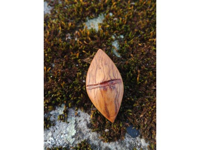 Dřevěný přívěsek oliva4