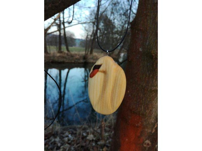 Dřevěná labuť přívěsek na krk