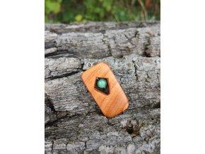 Dřevěný přívěsek ze dřeva třešně s tyrkysem