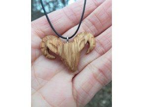 Dřevěné šperky podle znamení zvěrokruhu (beran dub)