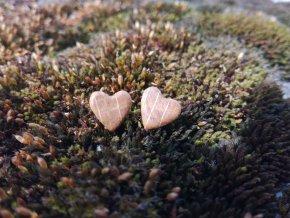Dřevěné minimalistické náušnice srdce (dub)
