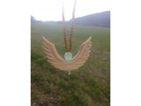 Andělský amulet do auta pro štěstí dřevo lípy s avanturínem