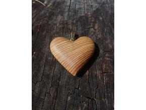Dřevěné srdce ze dřeva akátu