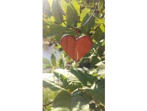 Srdíčko ze dvou druhů dřev olše a ořech