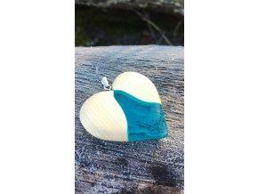 Náhrdelník ze dřeva lípy a šperkařské pryskyřice
