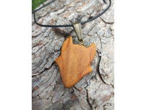 Dřevěný vlk na krk Dřevěné šperky Přírodě na dosah