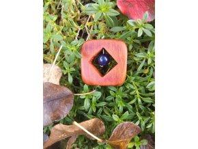 Dřevěný přívěsek ze dřeva švestky se sodalitem  DŘEVĚNÉ ŠPERKY   PŘÍRODĚ NA DOSAH